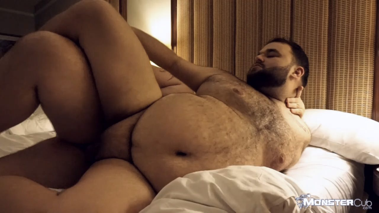 gay muscular blowjob